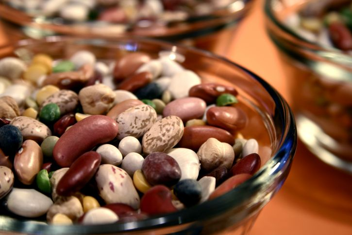 foods you don't need to store in a refrigerator, dried beans