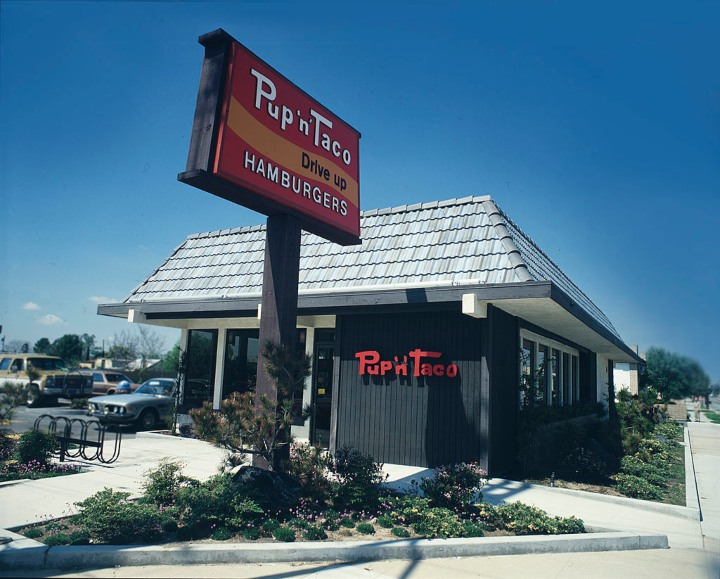 Classic Fast Food Restaurants That No Longer Exist (For A Good