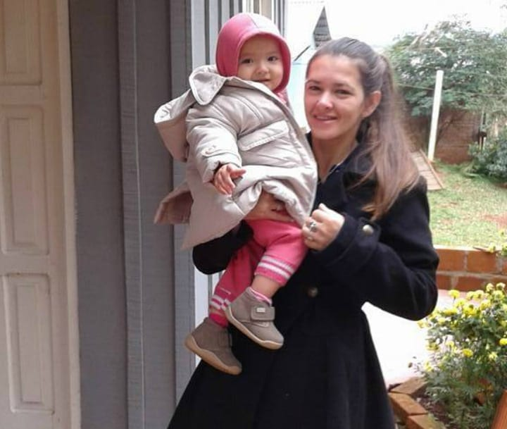 Amelia Bannan and Niece - Pregnancy Miracle/Pregnant Woman