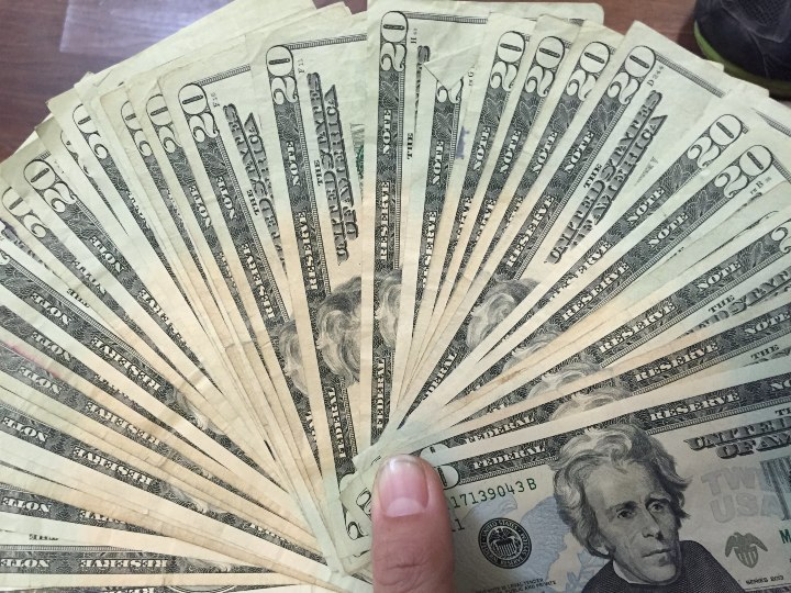 Mysterious Safe - Counting Cash