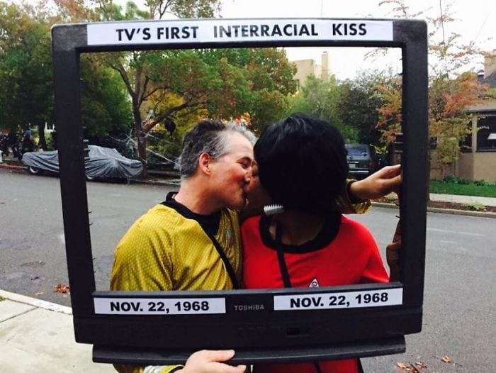 william shatner nichelle nichols interracial kiss star trek halloween costumes