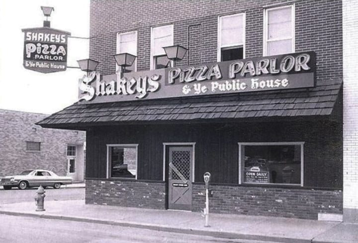 restaurant chains - Shakey's Pizza