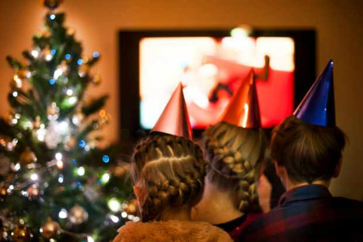 Ultimate Guide To 2018 TV Holiday Specials | Icepop