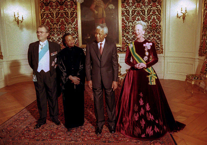 queen denmark nelson mandela amalienborg palace royal family homes