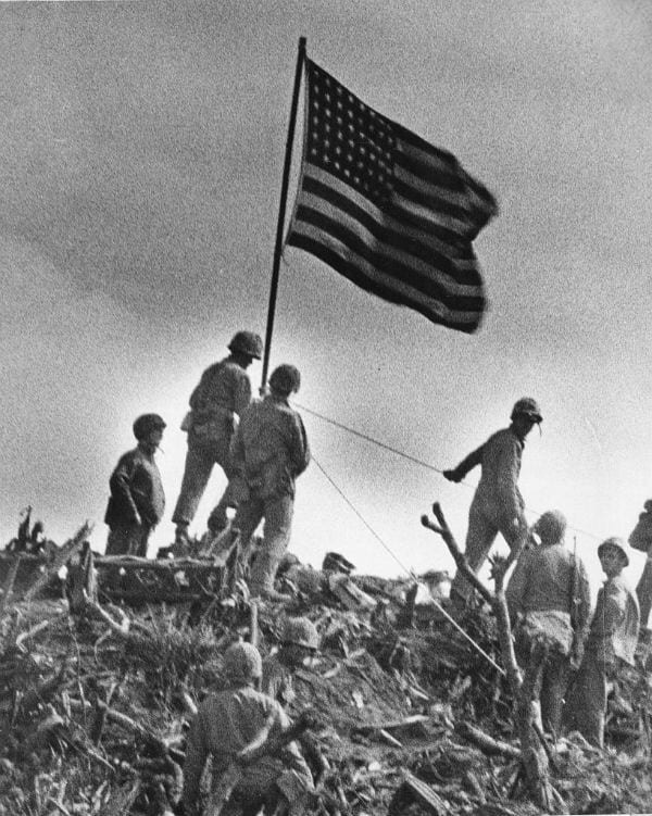 Flag raising Iwo Jima