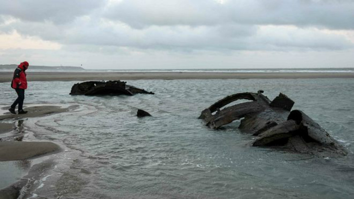 world war i shipwreck washed ashore beach