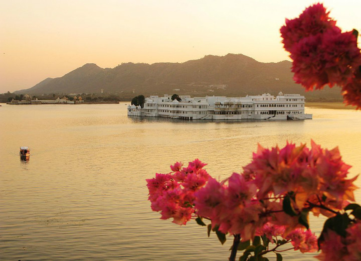 udaipur water palace coolest hotels