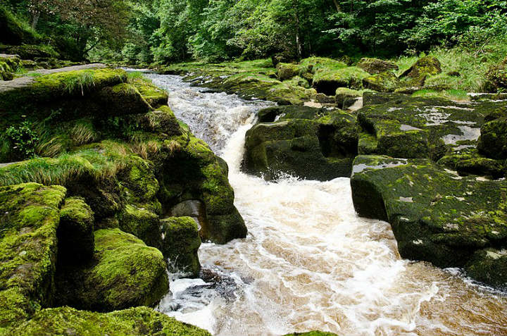 the strid yorkshire uk england dangerous places to swim