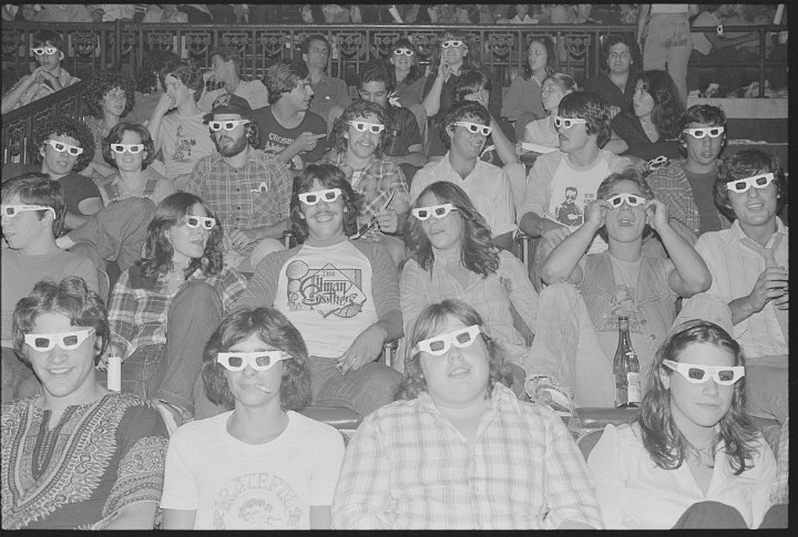 3D glasses in movie theaters