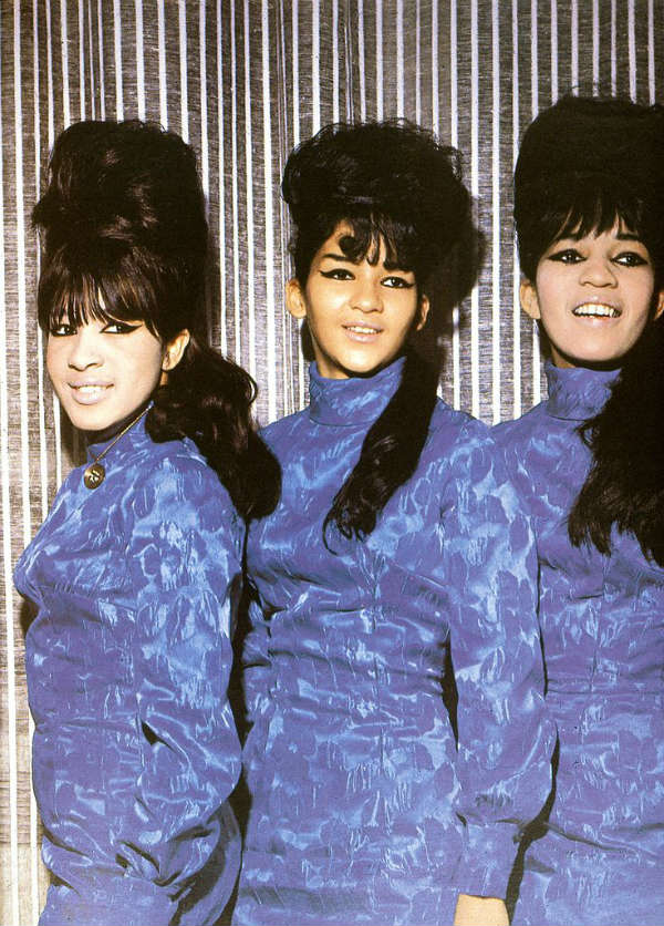 the ronettes girl group beehive hair trend hairstyles
