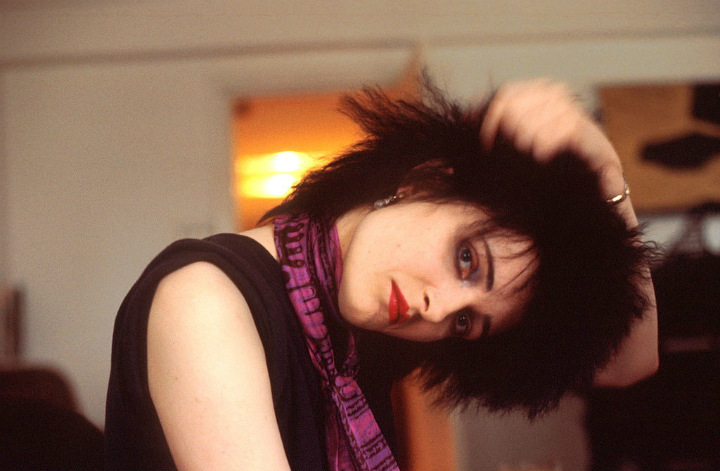 siouxsie sioux punk goth spiked hair trend hairstyle