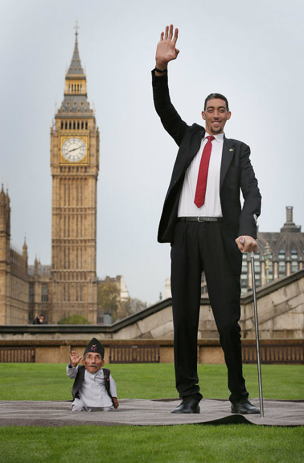 tallest man shortest man guinness world record