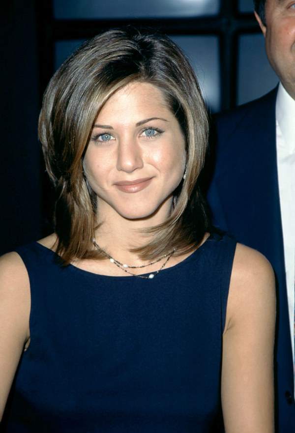 rachel jennifer aniston friends haircut hairstyle hair trend trends 1995