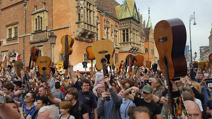 guitars guinness world record poland