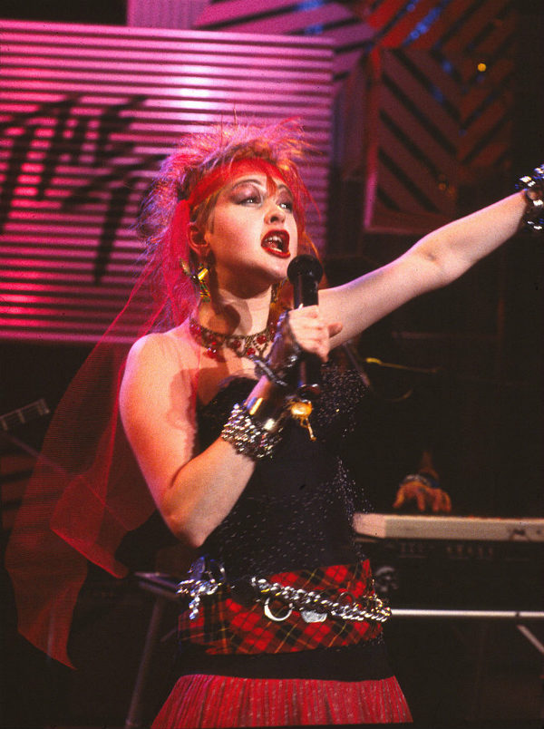 Cyndi Lauper - 80s fashion