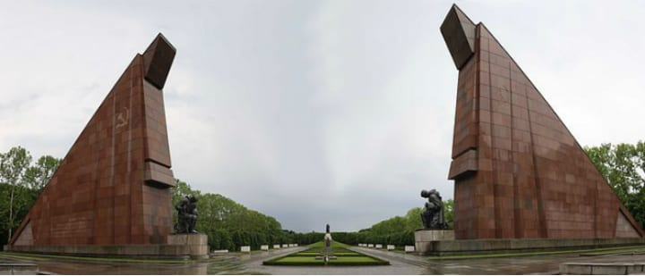 treptower park berlin germany ddr communist relics