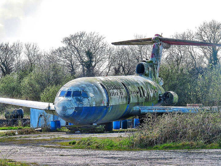 belfast northern ireland uk airport plane wrecks