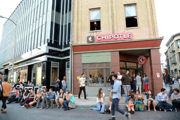 chipotle burrito restaurants closing