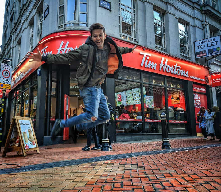 tim hortons canada restaurants closing