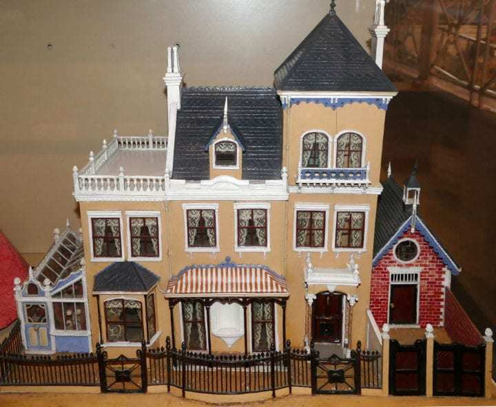 dollhouse antiques