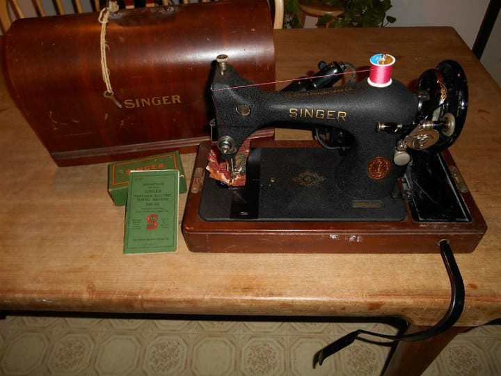 portable sewing machine antiques