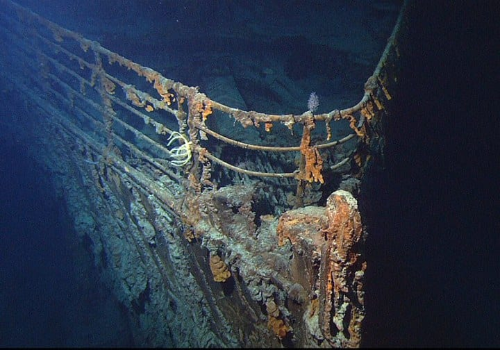 Titanic decays at bottom of ocean