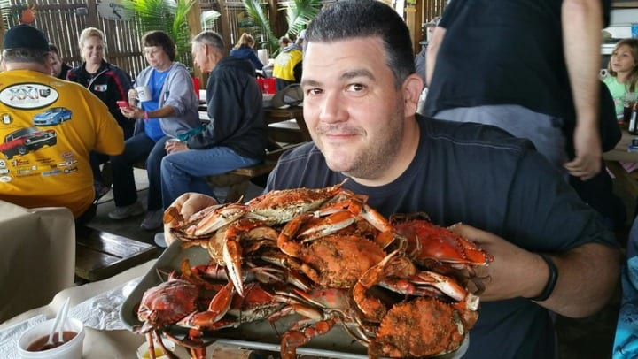 Man eats Maryland crabs