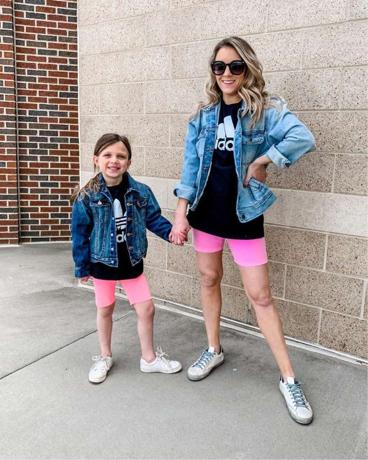 Mom and daughter matching trends