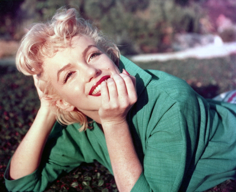Marilyn on grass