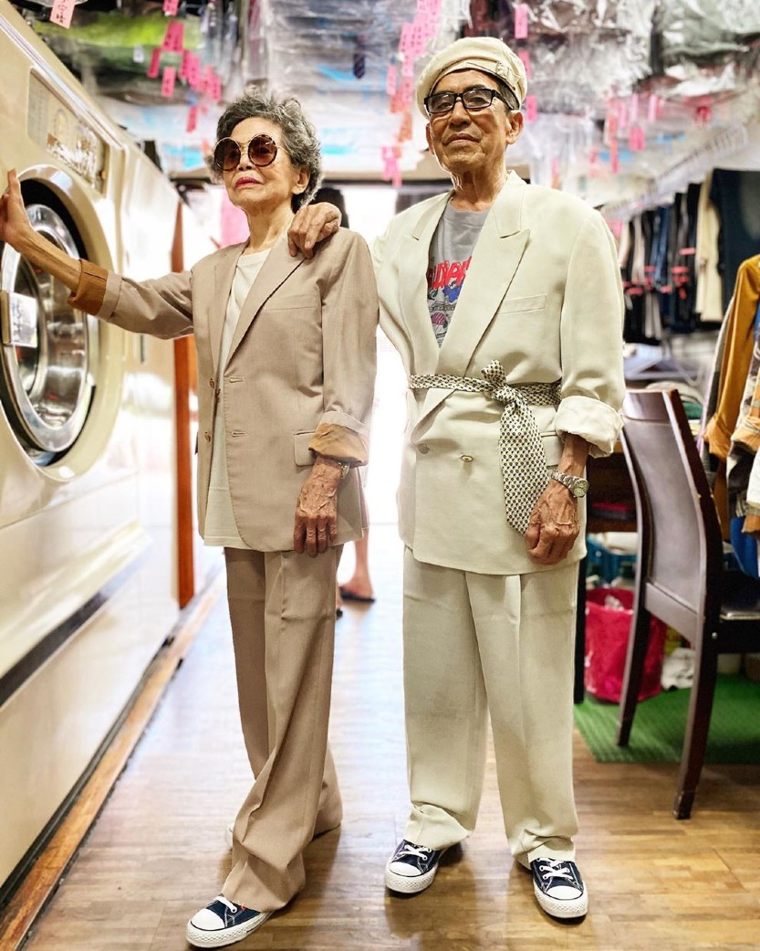 Laundromat women over 50 fashion