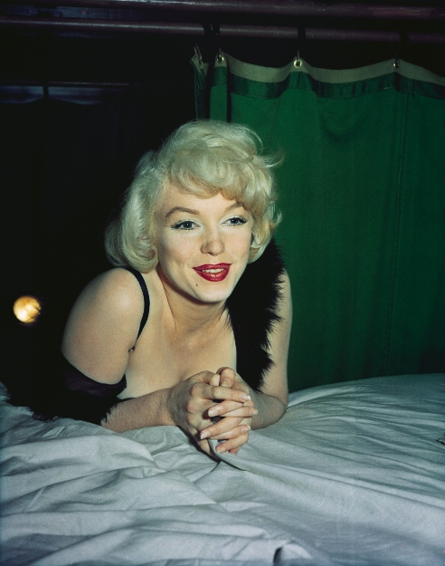 Marilyn Monroe on bed